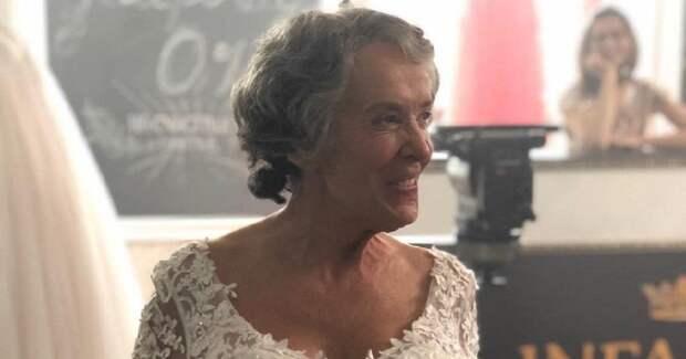 Жена Смехова показала кадры с последних съемок Печерниковой