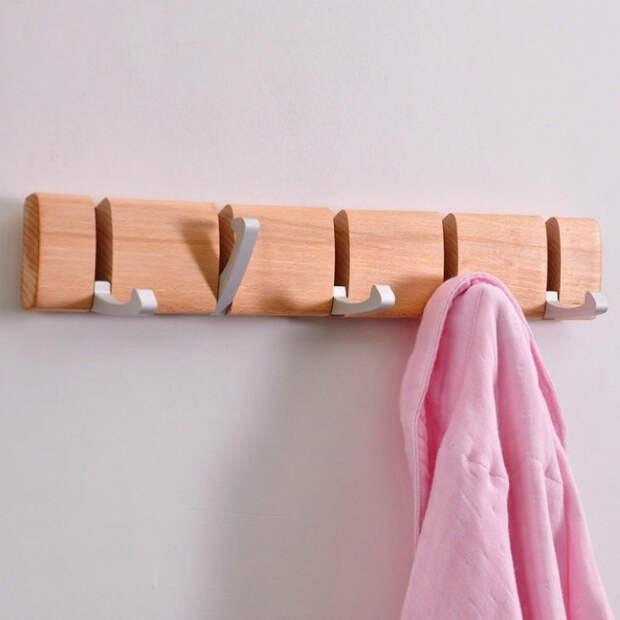 Вешалка с подвижными крючками. | Фото: Izismile.com.