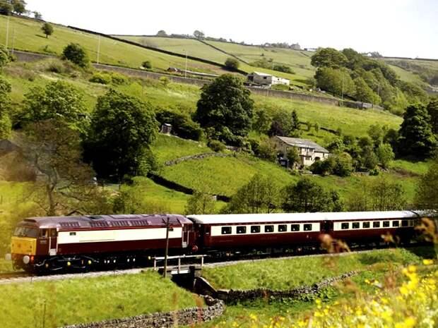Один из самых роскошных английских поездов. /Фото: properpresents.co.uk
