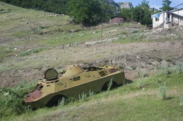 Кто виноват: армянские и азербайджанские СМИ о срыве перемирия