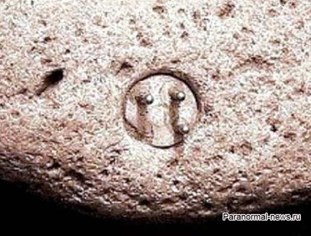 Тайна Энигмалита - древнего камня с «электрическим разъемом»