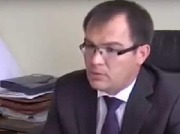 Министра строительства Башкирии обвинили в злоупотреблении полномочиями
