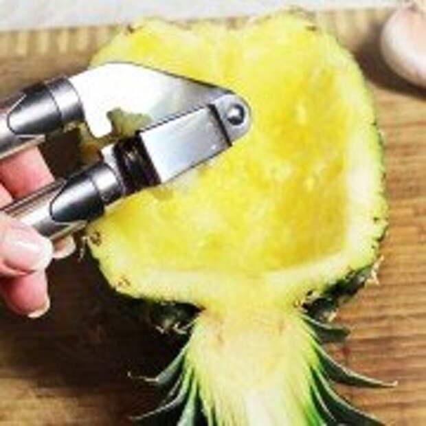 Запеченный ананас с фаршем под сырной корочкой- шаг 3