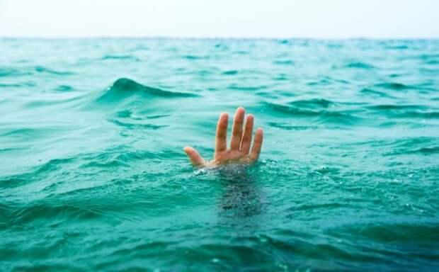 В Ялте от гибели спасли двоих отдыхающих