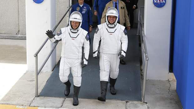 АстронавтыДаглас Хёрли и Роберт Бенкен
