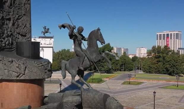 «Особист пришёл жечь крестьянские избы по приказу Сталина»: Сёмин о современных программах по истории ВОВ для школьников