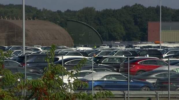 Поставщики подвели: обнаружено кладбище новых Mercedes-Benz.