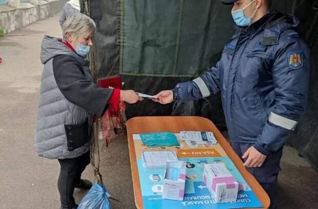 Спасатели продолжают действия по профилактике COVID-19