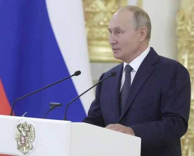 Нобелевская премия мира: конкурируют Путин, Навальный и Трамп