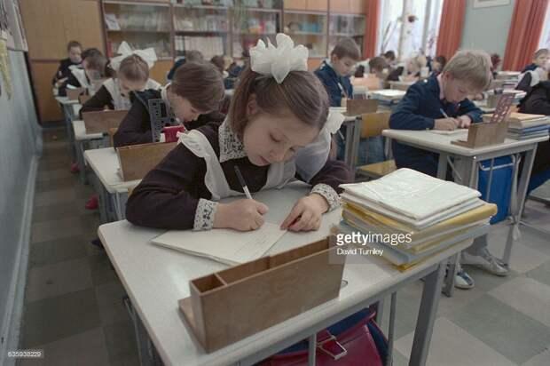 Что запрещали делать в советских школах.