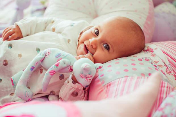 Детская бессонница и плач – как помочь малышу