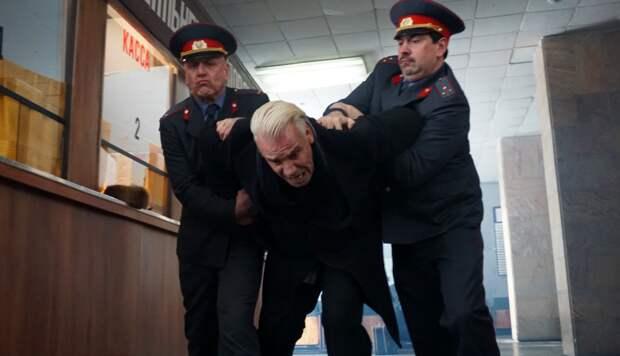 """Тилля Линдеманна (Rammstein) взяли в России """"за разжигание розни и клевету"""""""
