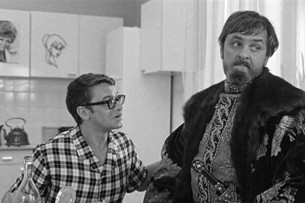 эпизод на кухне Иван Васильевич меняет профессию