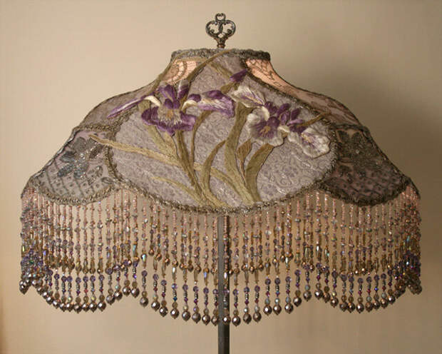 Работы дизайнера Christine Kilger, которая делает светильники из антикварных деталей, тканей и отделочных материалов 1860-1930 годов.