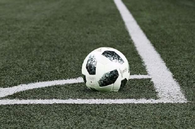 Арбитра Вилкова пожизненно отстранили от судейства в российском футболе