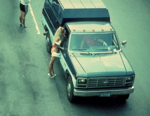 «Эй, мистер, хотите повеселиться?» Жизнь проституток Нью-Йорка в 1980-е годы