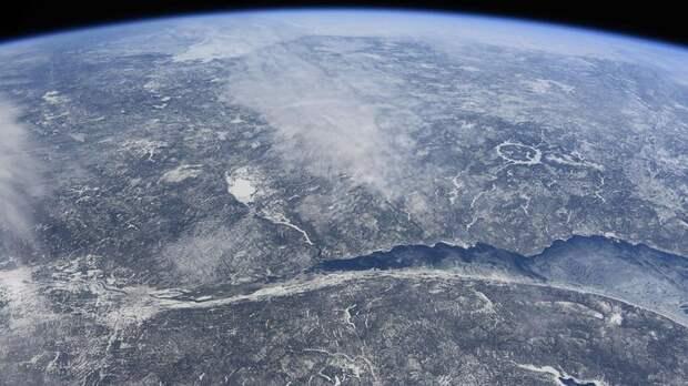 Опасный астероид приближается к Земле: Диаметр небесного тела почти 1 км