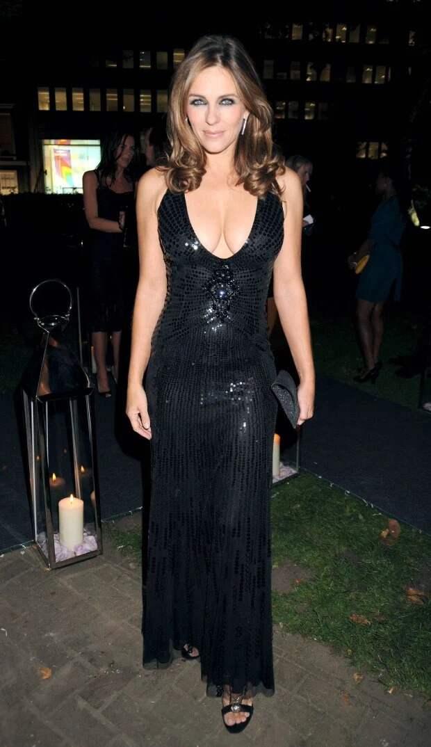 Маленькое черное платье: Элизабет Хёрли выглядит потрясающе в наряде 15-летней давности