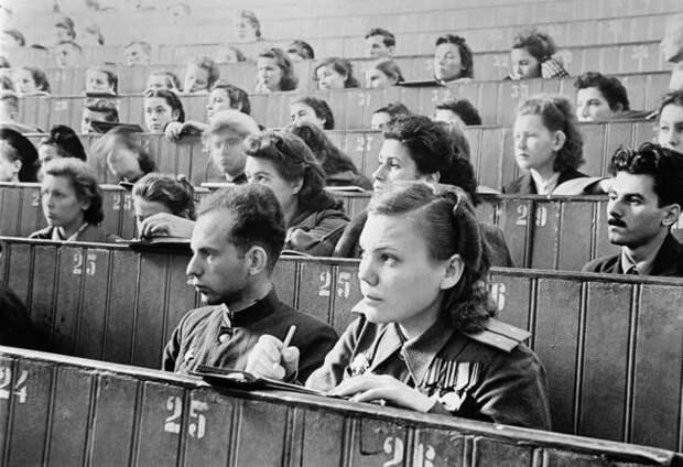 Москва. Лекция в МГУ. 1 сентября 1945 года женщины, интересное, история