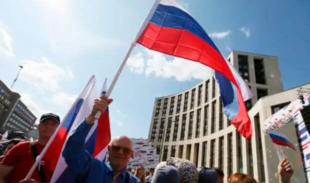 Александр Кононов: С Путиным Россия сможет в десятилетие обогнать все страны