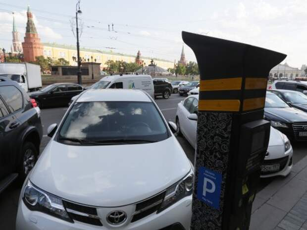Стоимость парковки в Москве с нового года пока не увеличится