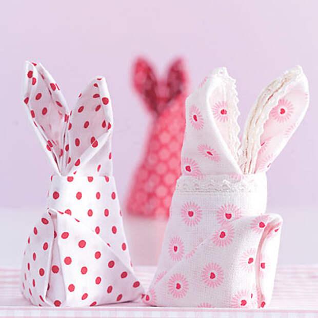 идеи пасхального декора: салфетка в форме кролика