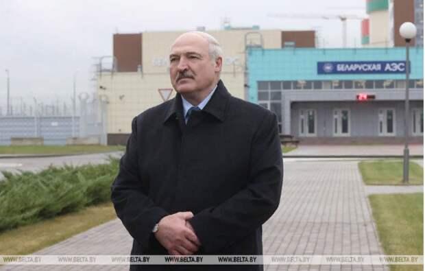 """""""Уходите с нашего огорода"""": Лукашенко призвал руководство Польши и Литвы жить дружно"""