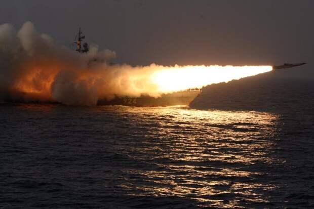 """Морские стрельбы гиперзвуковыми ракетами """"Циркон"""" ВМФ РФ. Источник изображения:"""