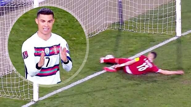 Судья извинился перед тренером сборной Португалии за незасчитанный гол Роналду