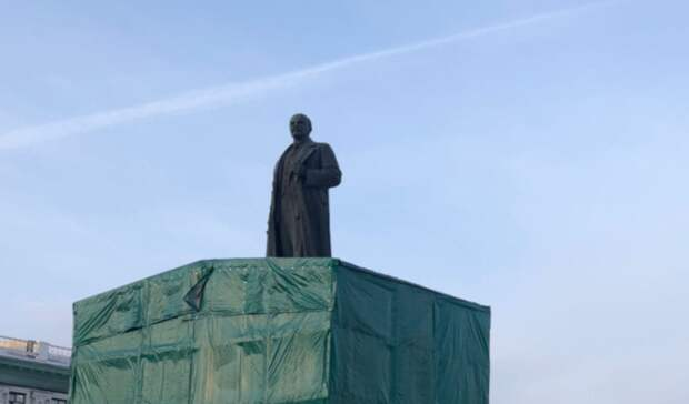 «Разрушался изнутри»: Гущин рассказал опроблемах при ремонте памятника Ленину