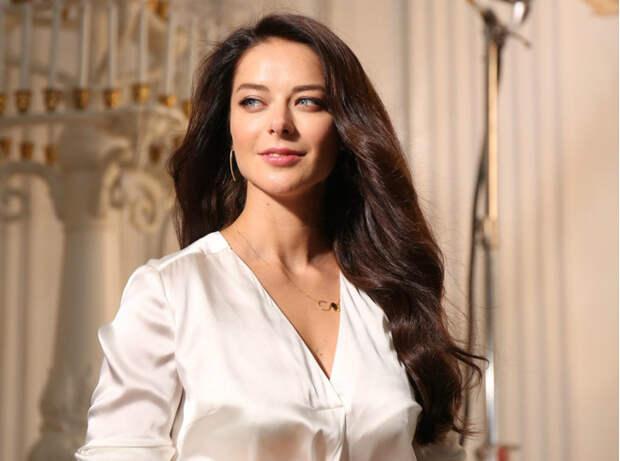 8 российских актрис, которые выглядят как первокурсницы, хотя им уже давно за 30