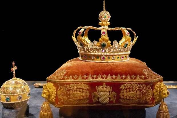 ТОП-10 самых дорогих корон в мире