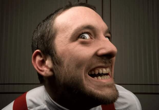 Психопат: признаки и типы у мужчин, как вести себя с таким человеком
