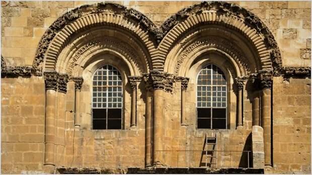 «Недвижимая лестница» в Иерусалиме – символ разногласий в христианстве