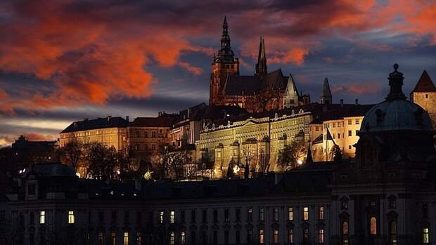 Бывший президент Чехии признался, что ему стыдно за действия Праги в отношении Москвы