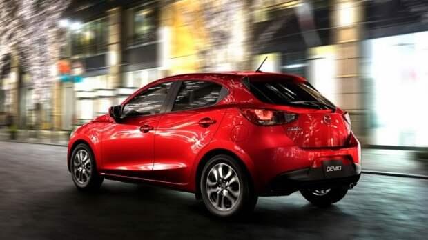 Новый хэтчбек Mazda2 дебютировал официально