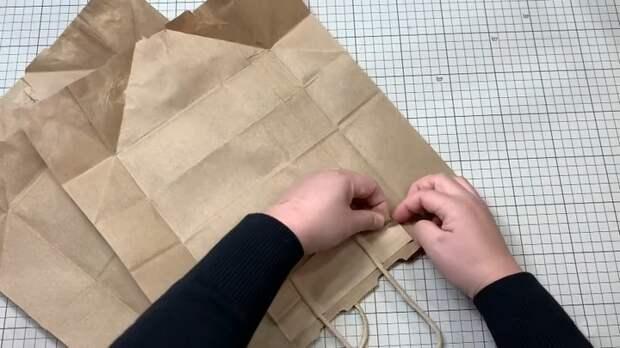 Бумажные пакеты превращаются в отличные многоразовые сумки для покупок