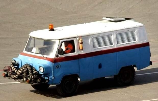 Авиация на колёсах, или Как «Буханки» двигателем от самолётов тюнинговали