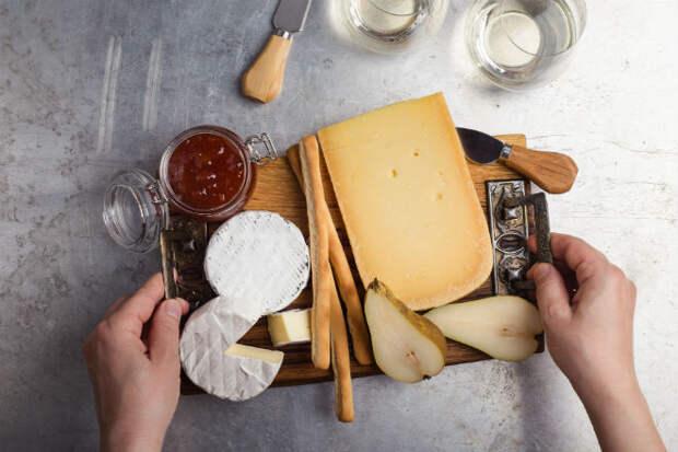 Что происходит с телом, когда мы едим сыр