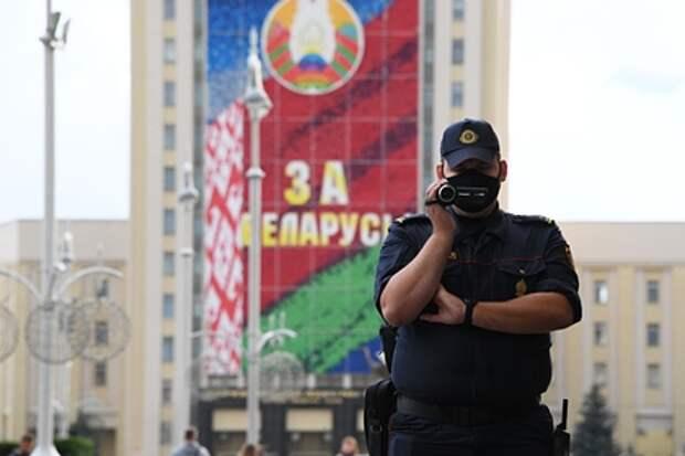 В Белоруссии арестовали более 100 человек за комментарии по поводу гибели сотрудника КГБ