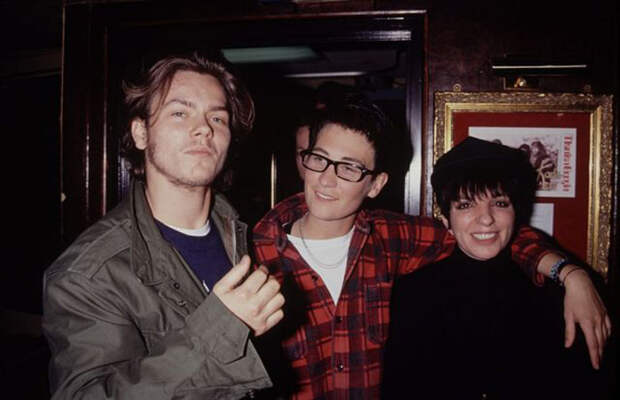 Ривер Феникс, певица К.Д. Ланг и актриса Лиза Миннелли в 1991 году.