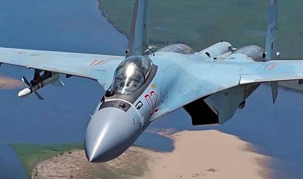 Пока Запад летает на легких истребителях, Россия уверенно пересаживается на «тяжеловесы»