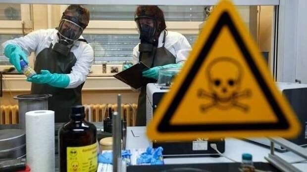 США давно травят россиян биологическим оружием – новое откровение Эдварда Сноудена, изображение №5
