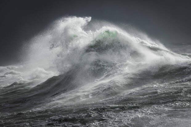 Фотографии океана, которые покажут вам его необузданность и мощь