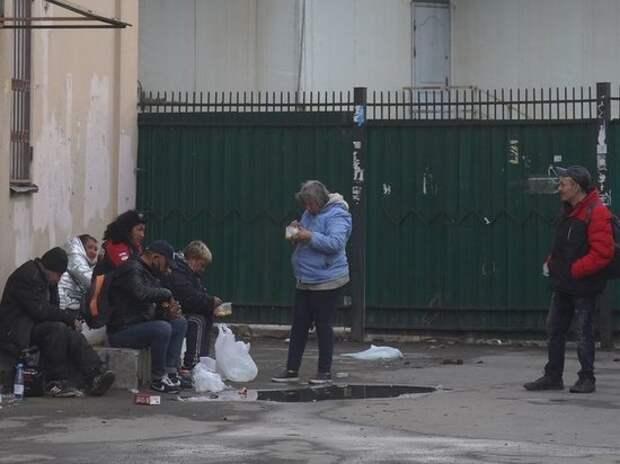 Выяснилось, откуда на улицах Москвы появилось столько бездомных