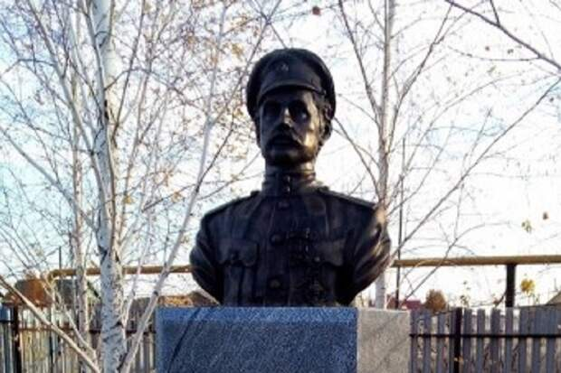В Оренбуржье снесут свежий памятник «победителю Чапаева»