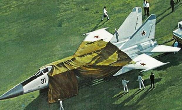 Пилот секретного МиГ-25 поднялся с аэродрома СССР и улетел в США