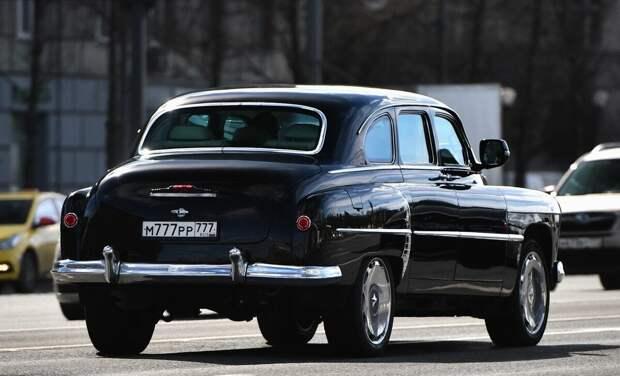 """Как стеренький ГАЗ-М12 ЗИМ не только восстановили, но и основательно """"прокачали"""" начинкой от нового Lexus"""