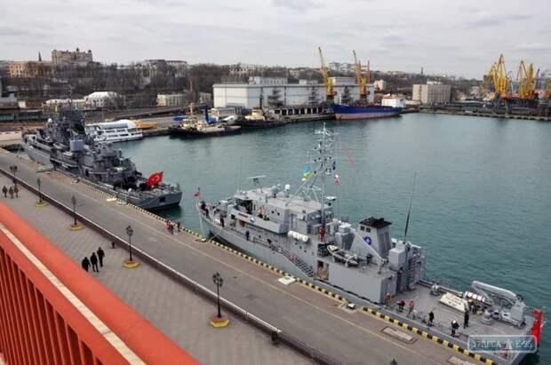 Учения противоминной группы НАТО на Одесском морском вокзале