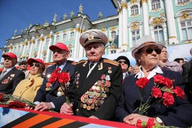 Парад Победы на Красной площади ветераны будут смотреть без масок